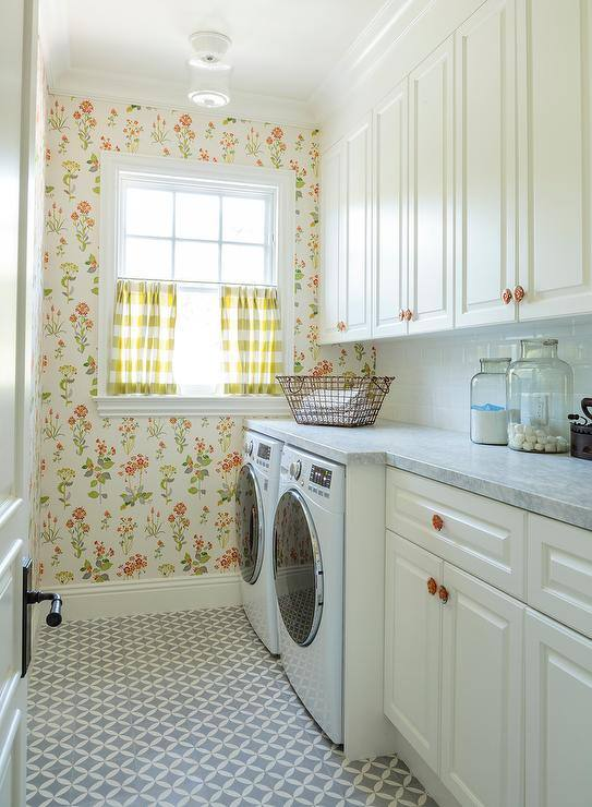 laundry-room-circulos-black-tile-jane-churchill-willowbrook-wallpaper